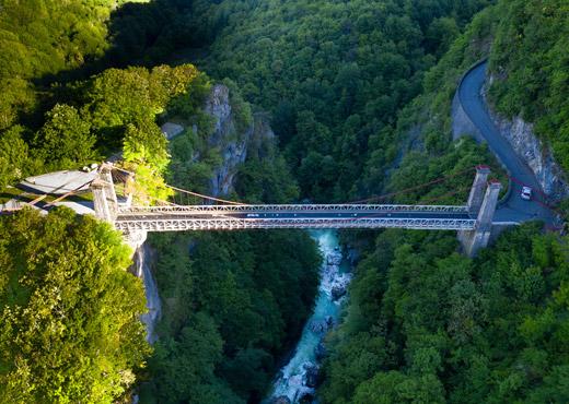 Le Pont de l'Abîme et la rivière du Chéran