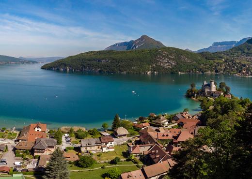 Vue sur Duingt et le lac d'Annecy depuis le Taillefer
