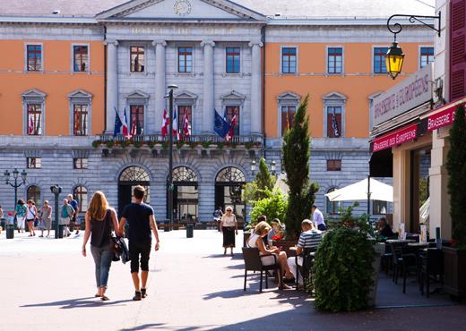 Terrasse de café Place de l'Hôtel de Ville