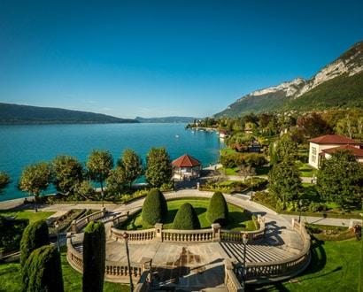 Vue du lac depuis le Palace de Menthon